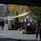 Площад Свобода с претъпканите кафенета